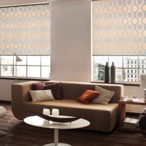 Дизайн рулонных штор для гостиной